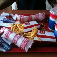 Photo taken at Wimpy by Noonanmory on 7/10/2012