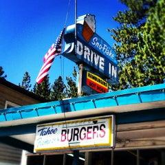 Photo taken at Sno-Flake Drive-In by jennifer w. on 5/28/2012