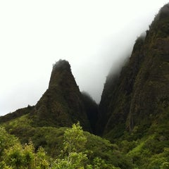 Photo taken at ʻĪao Valley State Park by カナエ ハ. on 7/21/2011