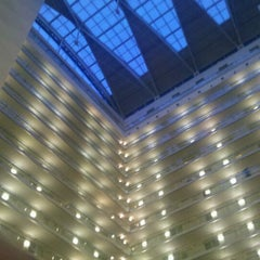 Photo taken at Embassy Suites by Hilton Chicago Downtown Magnificent Mile by Napua H. on 12/29/2011