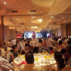 Photo taken at Pearl View Hotel by Choon Hoong L. on 12/24/2011