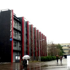Photo taken at 大阪府立大学 中百舌鳥キャンパス by megu a. on 3/9/2012