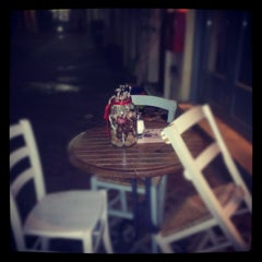 Photo taken at Πίτσες Μπλε by Pizza B. on 1/28/2012