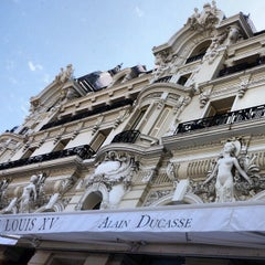 Photo taken at Le Louis XV - Alain Ducasse by Chris T. on 8/29/2012