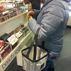 Photo taken at Sephora by Leandro R. on 1/3/2012