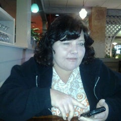 Photo taken at Olive Garden by Melanie W. on 3/14/2012