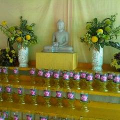 Photo taken at Metta Lodge Pusat Buddhist, Johor by Heng C. on 5/20/2011