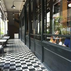 Photo taken at L'USINE: Et la Cafeteria de L'Usine by Jim C. on 9/3/2011