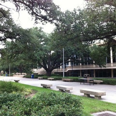 Photo taken at LSU - Student Union by L Σ Λ Κ Λ Ζ Ο Ι Đ on 8/2/2012