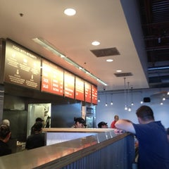 Photo taken at Chipotle Mexican Grill by Jessie A. on 8/28/2012