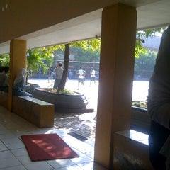 Photo taken at Lapangan SMA Negeri 5 Semarang by Rosyida A. on 6/14/2012