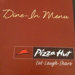 Photo taken at Pizza Hut by elle s. on 3/20/2012