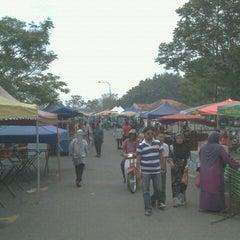 Photo taken at Pasar Ramadhan, Stadium Utama Kangar by Ridzwan R. on 8/13/2011