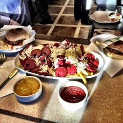 Photo taken at Jumbo Burger by Cuneyt O. on 3/22/2012