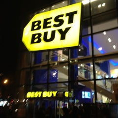 Photo taken at Best Buy Mobile by Louis C. on 12/3/2011