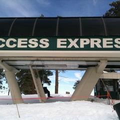 Photo taken at Bear Mountain Ski Resort by Kristopher L. on 1/5/2011