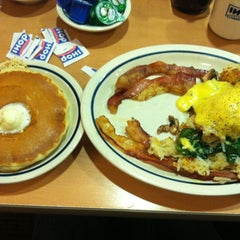 Photo taken at IHOP by Shalon B. on 2/18/2012