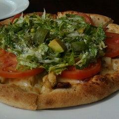Photo taken at California Pizza Kitchen | 詞碧閣西餐厅 by Amit G. on 3/25/2012