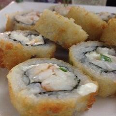 Photo taken at Manga Sushi by Bruno R. on 4/6/2012