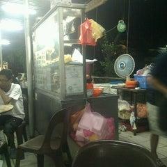 Photo taken at Vegas Restaurant by mazwan m. on 2/9/2012