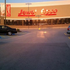 Photo taken at Jewel-Osco by Robert M. on 9/1/2011