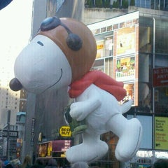 Photo taken at Macy's Thanksgiving Day Parade by Cesar R. on 11/24/2011