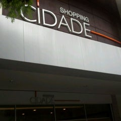 Photo taken at Shopping Cidade by Everton Luis L R. on 3/26/2012