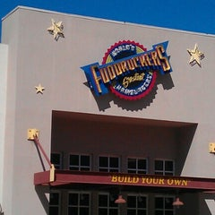 Photo taken at Fuddruckers by Joelle A. on 7/28/2012