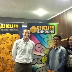 Photo taken at 103.1 FM - OZ Radio Bandung by U.S. Embassy J. on 9/30/2011