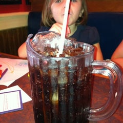 Photo taken at Red Hot & Blue  -  Barbecue, Burgers & Blues by Shawn M. on 9/23/2011
