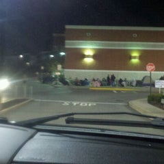 Photo taken at Best Buy by Melissa S. on 11/25/2011