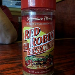 Photo taken at Red Robin Gourmet Burgers by Billy F. on 7/11/2012