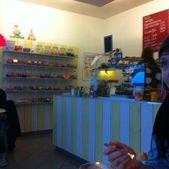 Das Foto wurde bei Yummy! Müslibar von Thomas H. am 1/9/2011 aufgenommen