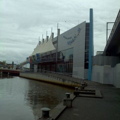Photo taken at SEA LIFE Melbourne Aquarium by Stefano on 2/28/2012