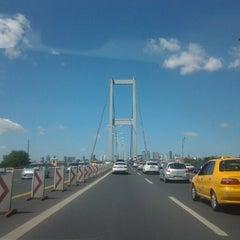Photo taken at Boğaziçi Köprüsü Gişeleri by Fabian B. on 8/29/2012
