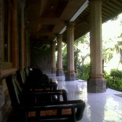 Photo taken at Hotel pendawa by mario p. on 6/22/2012