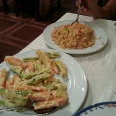 Photo taken at Restaurante Cielo Dragón by Enrique R. on 9/7/2012