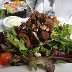 Photo taken at Belford's Savannah Seafood & Steaks by Amy B. on 5/28/2012