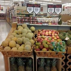Photo taken at Redner's Warehouse Markets by Janelle K. on 4/30/2012