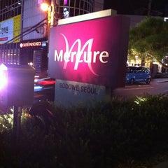 Photo taken at Mercure Ambassador Gangnam SODOWE by Aditya S. on 8/23/2012