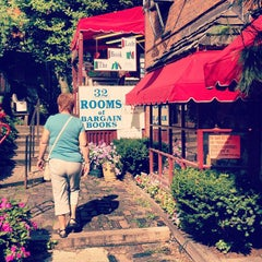 Photo taken at The Book Loft of German Village by Laura P. on 8/16/2012
