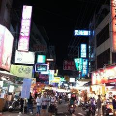 Photo taken at 逢甲夜市 Fengjia Night Market by alex S. on 8/22/2012
