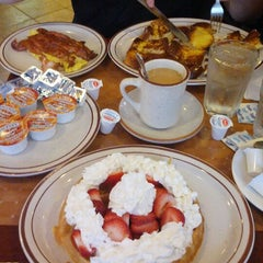 Photo taken at Washington Square Diner by jeremy h. on 8/30/2012
