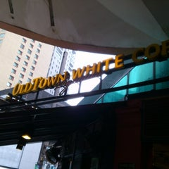 Photo taken at OldTown White Coffee by Kenny W. on 8/20/2012
