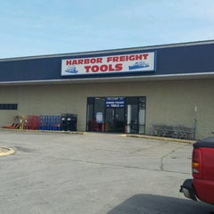Photo taken at Harbor Freight Tools by Simon S. on 6/16/2012