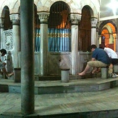 Photo taken at Yeni Cuma Camii by Yavuz Selim E. on 8/20/2012