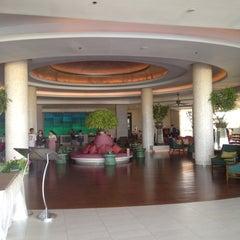 Photo taken at Sheraton Hua Hin Resort & Spa by Keerati S. on 2/25/2012