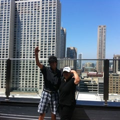 Photo taken at Inn of Chicago by Ryan E. on 7/8/2011