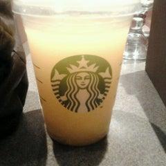 Photo taken at Starbucks Coffee by Fabiola R. on 9/27/2011