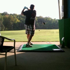 Photo taken at Leatherman Golf Learning Center by Nocatcho on 9/26/2011